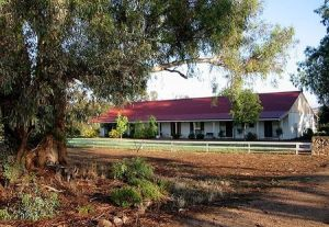 Hanericka Farm Stay - eAccommodation
