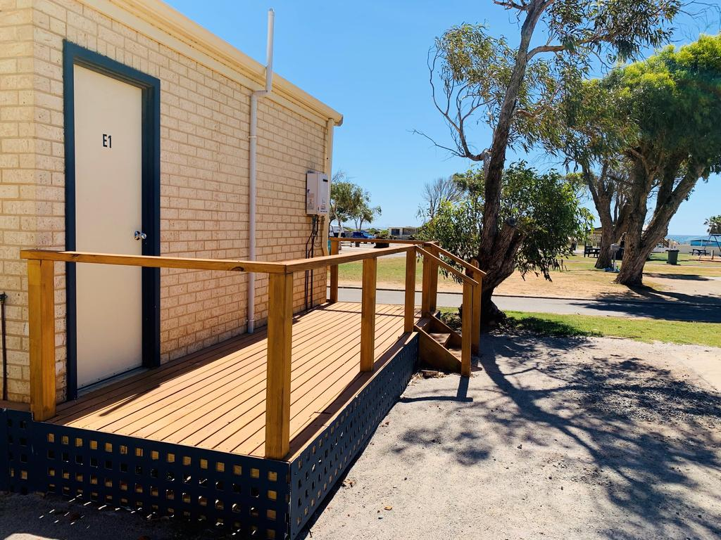 Sunset Beach Holiday Park - eAccommodation